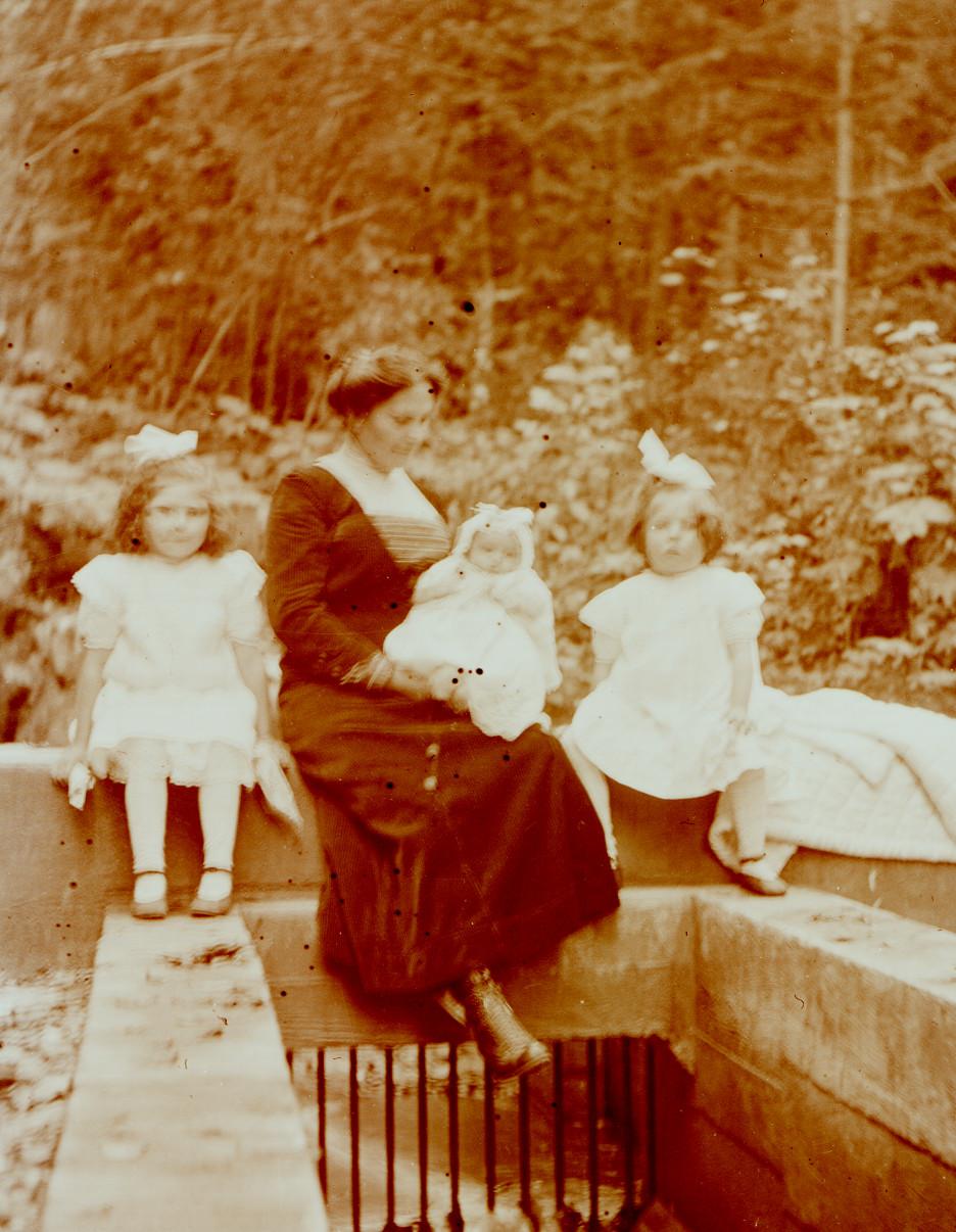 Helen, Kathleen, Aida, and Beatrice