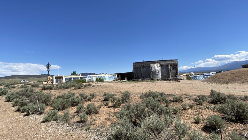 Walk around Earthship structures